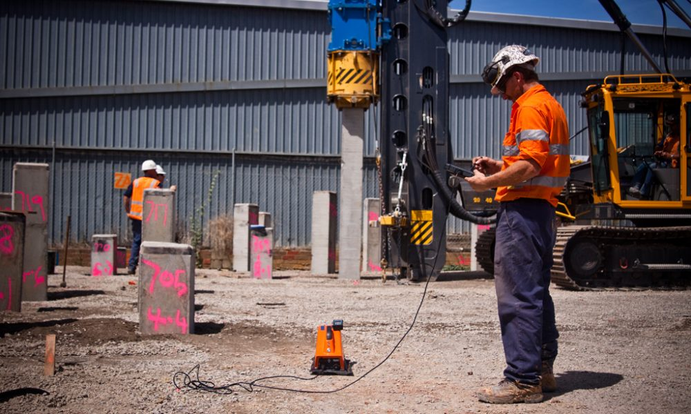 Pile Driving Monitor (PDM) in use