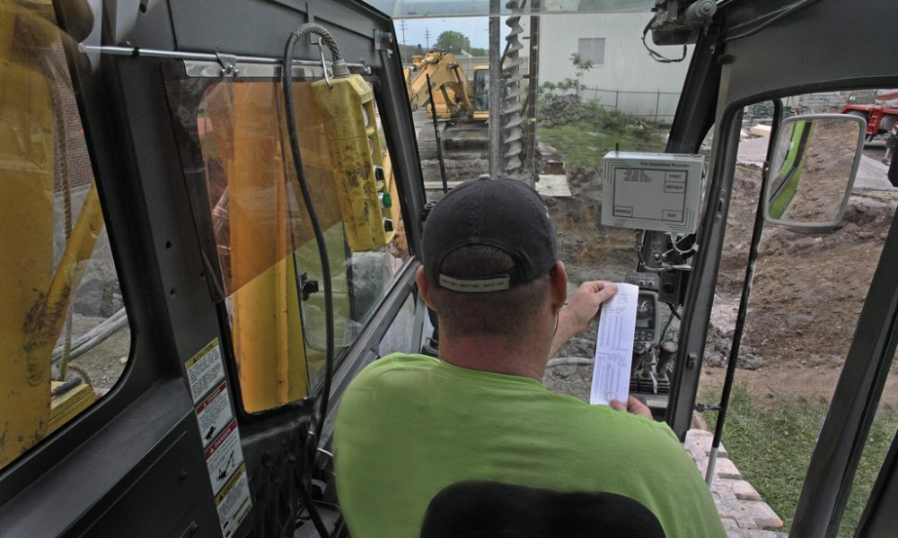 Engineer using Pile Installation Recorder
